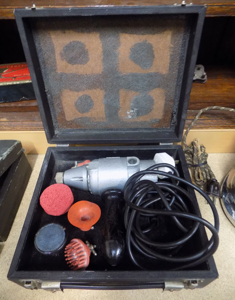 Vintage Electric Osbourne Garrett Massaging Machine in Case  VIN56J