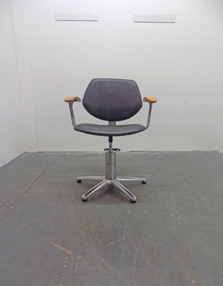Used Salon Styling Chair - BB63A