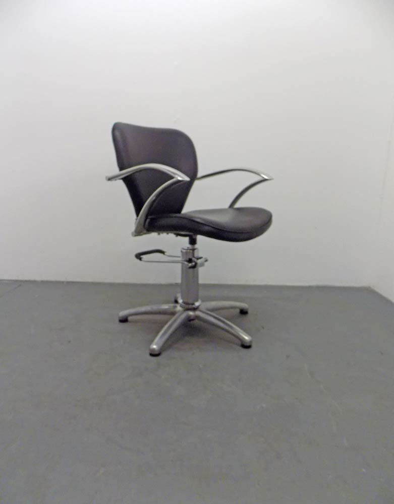 BD27A Used Salon Chair