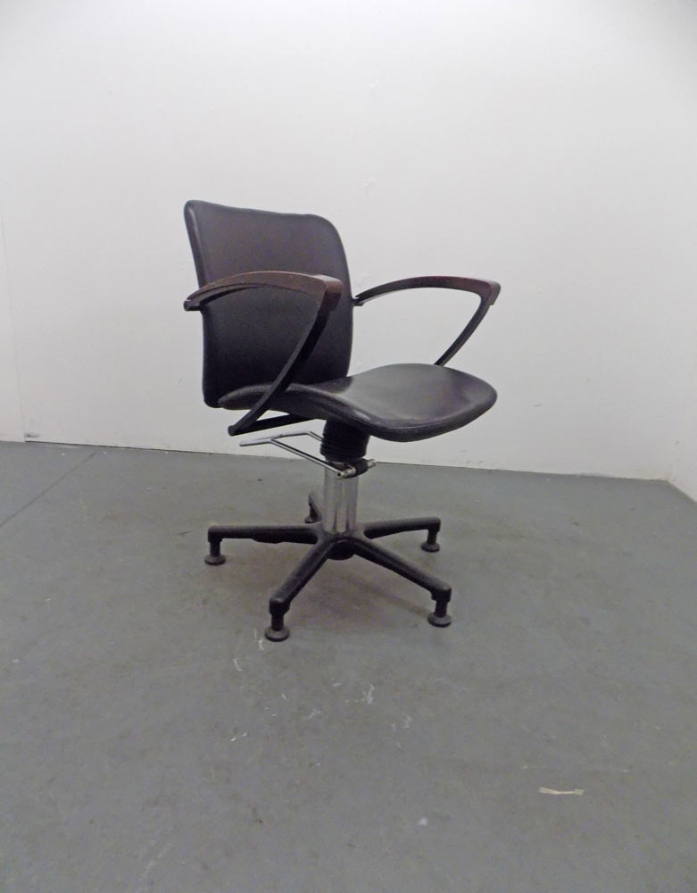 Used Salon Styling Chair - BD86B