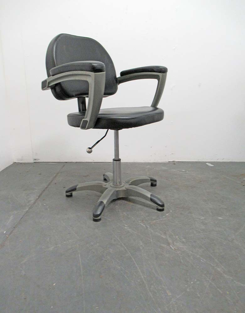 Used Salon Styling Chair - BE16A