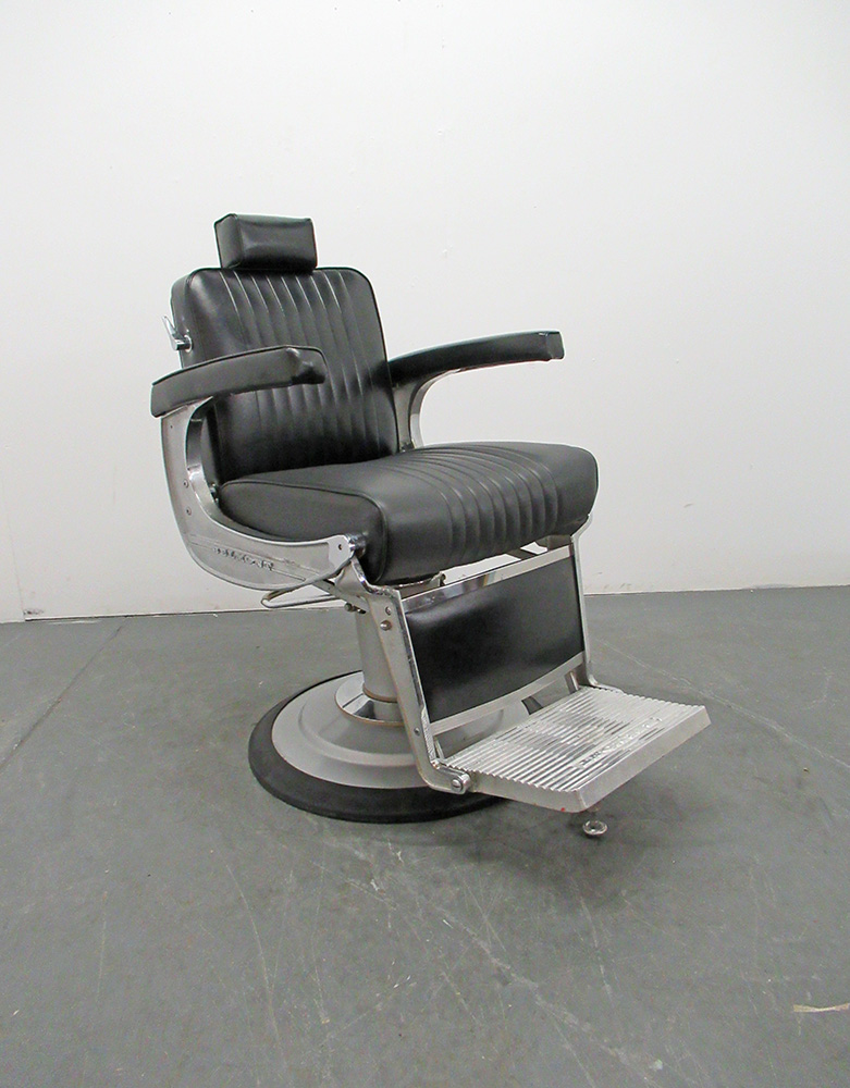BD100A Used Takara Belmont Apollo Barber Chair