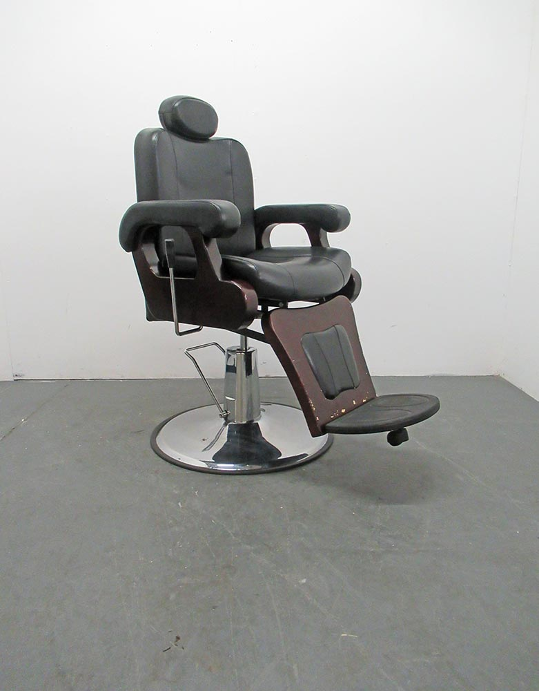 BE28A Used DIR Barber Chair