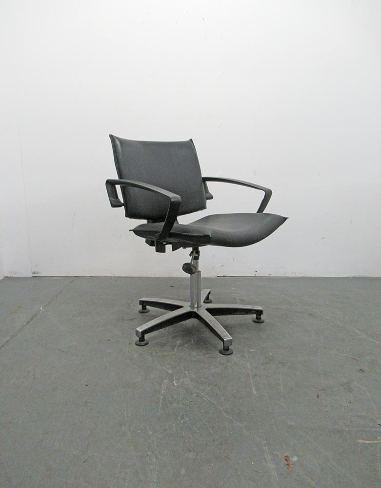 Used Salon Styling Chair by Welonda - BE38B
