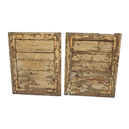 A Pair of Vintage Wooden Shutters VIN27Q