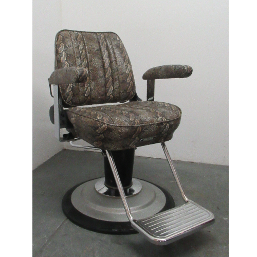 Used Sportsman Barber chair by Takara Belmont - BF09B-1