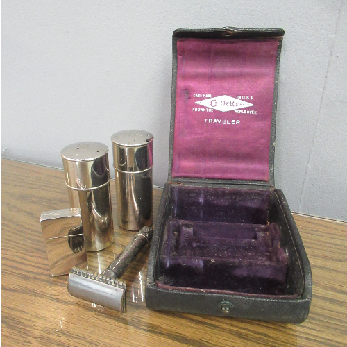 Vintage Gillette Traveler Set VIN325E