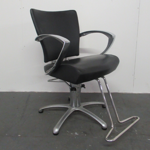 Used  Salon Styling Chair BG77A