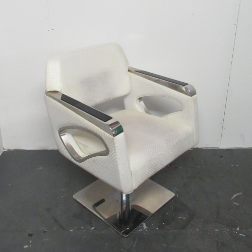 Used White Passion Salon Styling Chair by SEC BG80A