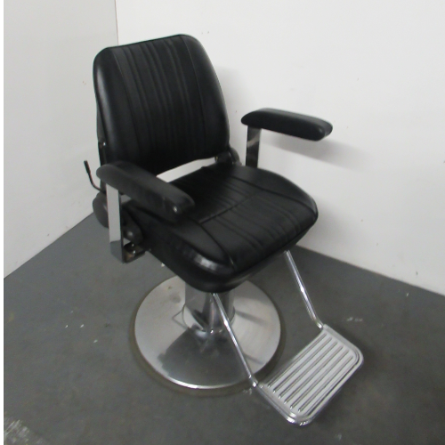 Used Sportsman Barber Chair by Takara Belmont BG40A- GRADE 1